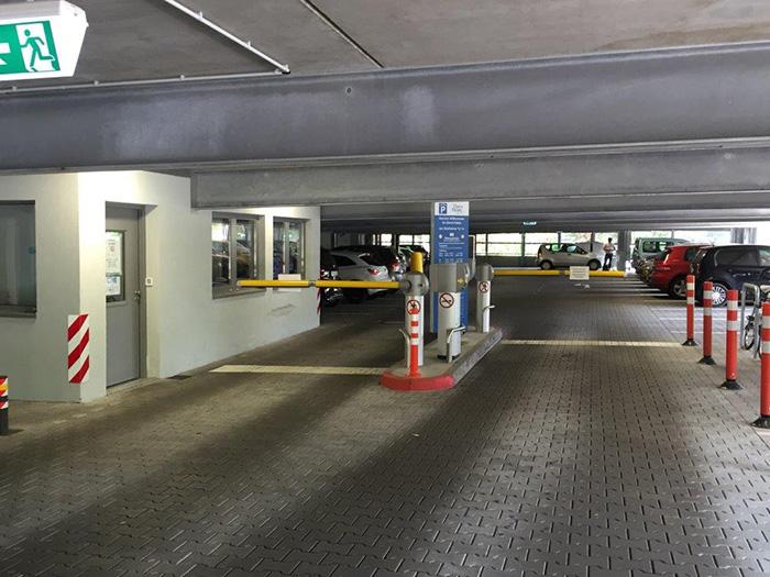 parkhaus-einfahrt-2